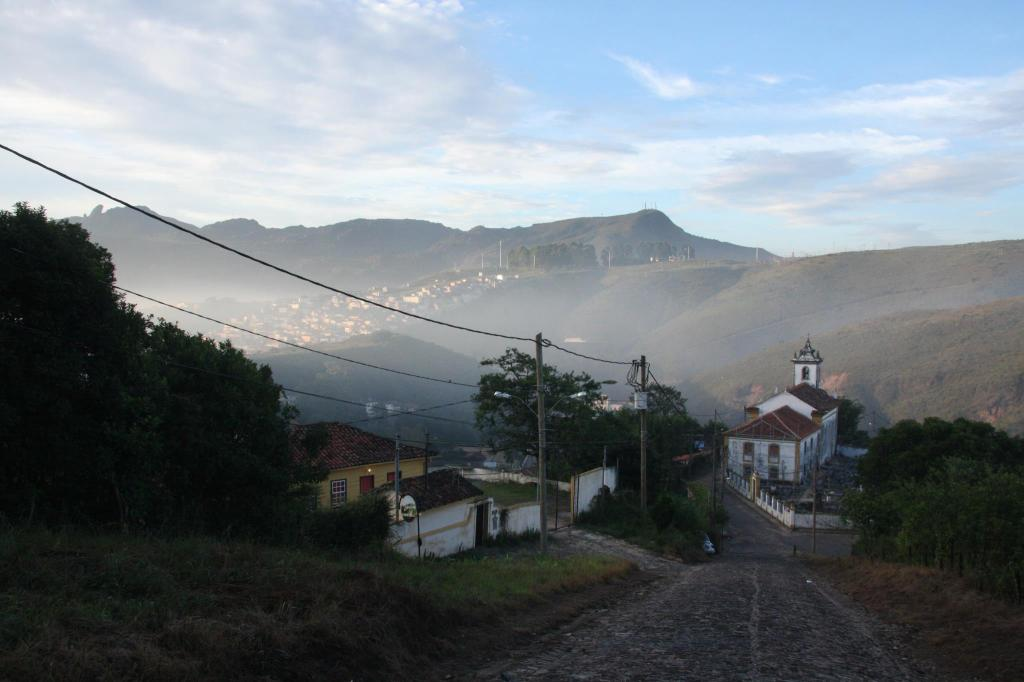 This image has an empty alt attribute; its file name is ouro-preto.jpg